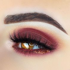 Eye colors are beautiful, each and every one of them in their own unique way. Your task is to learn to enhance that beauty granted to you, do not forget! burgundy red shadow on the lid and lower lashline, love how simple and easy this makeup looks, yet super pretty makeup idea l. #Eyemakeup #Makeup #Eye #EyeMakeup #MakeupIdeas #Beauty #Eyeshadow #MakeupAddicts