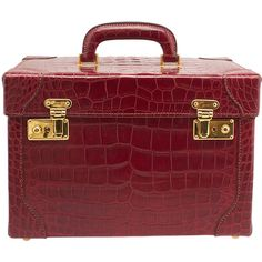 Pre-Owned Gucci Vintage Red Alligator Train Case found on Polyvore featuring beauty products, beauty accessories, bags & cases, red and gucci