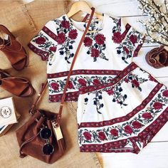 Material: Polyester Style: Bohemian Fit Type: Regular Fabric Type: Chiffon Pattern Type: Print Decoration: None Style: Casual,Sexy.Boho,Fashion Closure Type: Zipped