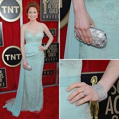 It's only fair that a discussion about Ellie Kemper's arrival in this Reem Acra should be all about those girlie and glitzy details. It's a gorgeous combination of ultrafeminine lace, a ladylike fit, and some sweet embellishment that add up to the