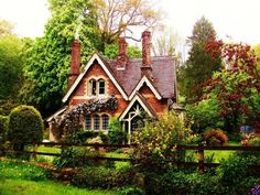 """witchscottage: """" Fairytale cottage, south England by ylana lovel """" - Country Haus // Cottage - Urlaub Style Cottage, Cute Cottage, Cottage Design, Storybook Homes, Storybook Cottage, Small Cottage Homes, Cottage Living, Cottage House, Brick Cottage"""