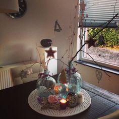 Kerstdecoratie op tafel