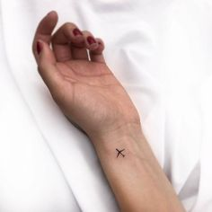 Classy Tattoos, Dainty Tattoos, Dope Tattoos, Small Tattoos, Tiny Finger Tattoos, Mini Tattoos, Wave Tattoo Wrist, Airplane Tattoos, Simple Tattoos For Women