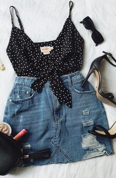 10 Denim Skirt Looks You Can Rock All Summer - Fashion - Modetrends Spring Outfits, Trendy Outfits, Fashion Outfits, Womens Fashion, Fashion Trends, Modest Outfits, Fashion Styles, Easy Outfits, Maternity Outfits