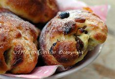 Maritozzi marchigiani, ricetta facile, panini dolci, dolci tradizionali delle Marche, colazione, merenda, cottura veloce, lievitazione lenta, briochine soffici