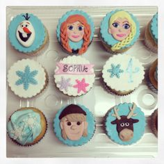 Frozen cupcakes Frozen Birthday Party, Frozen Party, Birthday Party Themes, Birthday Ideas, Birthday Cakes, Disney Themed Cakes, Disney Cakes, Frozen Cupcakes, Frozen Cake