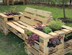 Fantabulous Wooden Pallet Creations Pallet Bench with Planters Pallet Garden Benches, Diy Pallet Sofa, Diy Pallet Furniture, Diy Pallet Projects, Pallet Ideas, Pallet Patio, Garden Furniture, Outdoor Furniture Sets, Outdoor Decor
