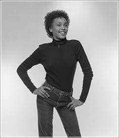 Never-seen photos of a young Whitney Houston Whitney Houston Young, Beverly Hills, Soul Singers, Just Girl Things, African American Women, Beautiful Black Women, Vintage Beauty, The Voice, Diva
