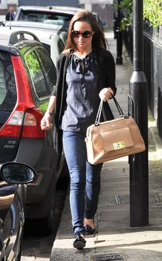 4/16/2013: Pippa returns home after spending the weekend in Scotland (Kensington & Chelsea, London)