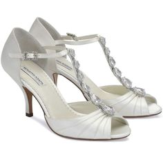 Bellissima Bridal Shoes is a top provider of wedding shoes online. Our selections include a wide selection of heels, flats and sandals from high-end designers. Low Heel Shoes, Low Heels, Shoes Heels, Dyeable Shoes, Ivory Shoes, Designer Wedding Shoes, White Wedding Shoes, Ivory Wedding, Crystal Wedding