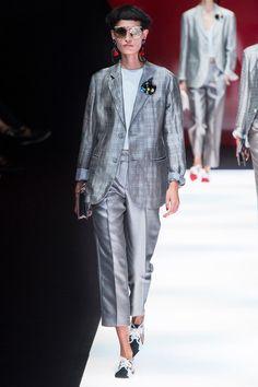 Giorgio Armani Spring 2018 Ready-to-Wear  Fashion Show Collection