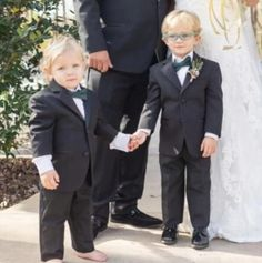 Black Boys Suits For Wedding Clothing Kids Birthday Party Formal Outfits Sets Ring Bearer Attire (Jacket +Pants) Blazers Wedding Party Dresses, Wedding Suits, Wedding Tuxedos, Tuxedo Wedding, Boys Suits, Wedding With Kids, Black Boys, Wedding Events, Formal Outfits