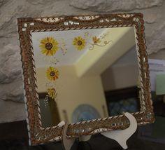 Specchio in legno fatto a mano..