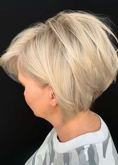 Bob Haircuts Amazing Short Bob Hair Cuts with Blonde Shades in 2020 Women's Work Pants By Dickies As Easy Hairstyles For Long Hair, Short Bob Hairstyles, Hairstyles Haircuts, Layered Hairstyles, Bob Haircuts 2017, Best Bob Haircuts, Shades Of Blonde, Hair Shades, Bobs For Thin Hair