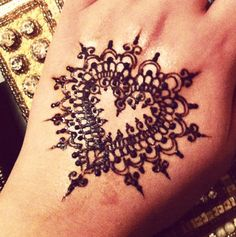 Heart And Round Shape Arabic Mehandi