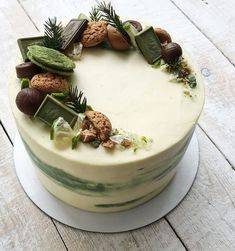 For Heaven's Cake: Irresistible Cakes for All Occasions - beyim - Cake Recipes Pretty Cakes, Beautiful Cakes, Amazing Cakes, Cake Recipes, Dessert Recipes, Dessert Ideas, Cake Ideas, Impressive Desserts, Forest Cake