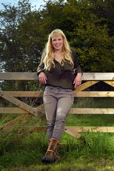 Ellie Harrison blond cowgirl 'I am a real home bird, Even when I was on holiday with my family I would feel homesick' - Ellie Harrison in our December issue Curvy Women Outfits, Clothes For Women, Bbc Presenters, Princess Diana Rare, Tv Girls, Scooter Girl, Types Of Girls, Sexy Jeans, Sexy Women