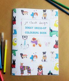 Libro para colorear Doggy Dress-Up, con perros vestidos. | 41 Artículos locamente simpáticos que deberías comprarte ahora mismo