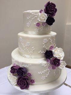 beautiful wedding cakes Shades of Purple - Wedding Cake Decorations Wedding Cake Fresh Flowers, Purple Wedding Cakes, Elegant Wedding Cakes, Beautiful Wedding Cakes, Beautiful Cakes, Wedding Colors, Cake Wedding, Elegant Cakes, Gold Wedding