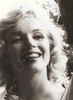 Marilyn - marilyn-monroe Photo
