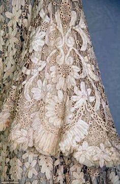 It's a Vintage Life — Edwardian Battenburg Lace Coat Needle Lace, Bobbin Lace, Antique Lace, Vintage Lace, Antique Desk, Vintage Music, Irish Crochet, Crochet Lace, Crochet Edgings