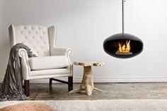 Aeris hanging Cocoon de designhaard is uitgerust met een bio-ethanolbrander van 1,5 liter (brand tot 6 uur). De open haarden van Cocoon zijn schoon, milieuvriendelijk, rookvrij en vereisen geen rookkanaal. De vlam straalt een sfeervolle warmte over de hele kamer uit.