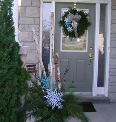 The weather's really nice today, and it seemed like a great time to do some outdoor decorating. I decided to do my urn and front door wreath today. I spotted in a flyer last night that the …