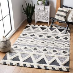 Black And White Living Room, Interior Design Pictures, Farmhouse Rugs, Rug Shapes, Home Rugs, White Rug, Beach House Decor, Online Home Decor Stores, Rugs In Living Room