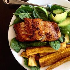 """@paleorunningmomma just made our day a lot more delicious with this blackened @sizzlefishfit Sable Fish dish!  Michele served it with some fresh avocado and crispy plantain fries for that perfect sweet and savory dish! .  Head to our website: www.sizzlefish.com to order your perfectly portioned fish and shellfish today!  ___________________________________"""