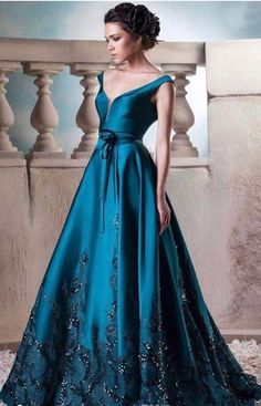 Green Long Evening Dresses Vintage V Neck Satin Lace Beaded Prom Dress Floor Length Formal Evening Gowns