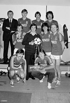Members of the Ipswich Town team with the World Professional Darts Champion Keith Deller who was once a ball-boy at Portman Road, taken at the Division One League match between Ipswich Town and. Get premium, high resolution news photos at Getty Images Retro Football, Football Kits, Sport Football, Football Cards, Football Players, Professional Darts, Ipswich Town Fc, Blue Army, Association Football