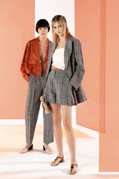 Emporio Armani Resort 2020 Fashion Show - Vogue 2020 Fashion Trends, Fashion 2020, Fashion News, Runway Fashion, Fashion Outfits, Emporio Armani, Armani Collection, Fashion Show Collection, Curvy Women Fashion