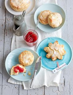 Rezept: Classic Cream Biscuits von Cynthia Barcomi Cream Biscuits, Cupcakes, Food Styling, Ham, Muffins, Breakfast Recipes, French Toast, Food Photography, Cheese