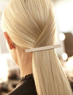Rubio polar - Clara Wish Sleek Hairstyles, Pretty Hairstyles, Straight Hairstyles, Hairstyles 2016, Blonde Hairstyles, Catwalk Hair, Runway Hair, Peinado Updo, Hair Affair