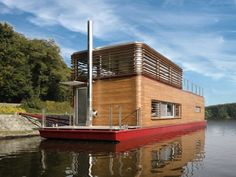 Live off The Land 15 Gorgeous Floating Houseboats (4)
