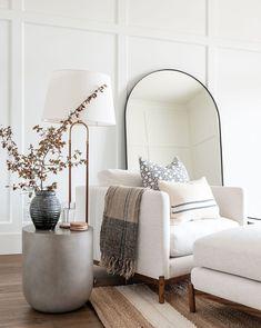 Home Living Room, Apartment Living, Living Room Designs, Living Room Decor, Living Spaces, Bedroom Decor, Mirrors In Living Room, Living Room Inspiration, Home Decor Inspiration