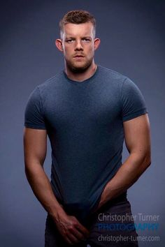 Remember back when you used to watch Russell Tovey in Him & Her. And you'd think, he's handsome, in a laddish geeky kind of way. Russell Tovey, Film Man, Famous Men, Well Dressed Men, Male Beauty, Beauty Art, Attractive Men, Good Looking Men, Perfect Man