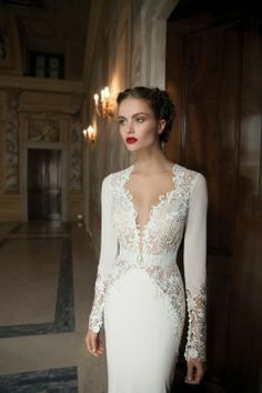 Wedding Dress like the ones from Fairy Tales.