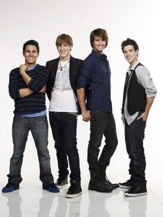 Big Time Rush <3 I find these guys very attractive.. Specially Logan lol