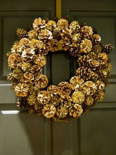 After we use all the gold pinecones i bought for our wedding i want to make this wreath!!! Will always be a winter reminder of our wedding : )
