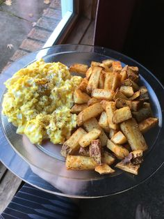 [Homemade] Soft scrambled eggs with home fries http://ift.tt/2gkOOh8