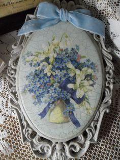 Пожалуй, это самый маленький цветок, но сколько стихов сложили о нем поэты, сколько легенд и народных сказаний существует о нем! Одна из них гласит, что богиня Флора, спустившись на землю, стала одаривать цветы именами. Когда она хотела удалиться, раздался слабенький голосок: 'Не забывай меня, Флора, дай и мне имя'. Богиня разглядела едва заметный в траве маленький голубой цветочек и сказала:…