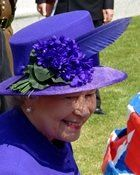 I don't remember seeing HRH in colors as vibrant or deep as this, preferring pastels these days, with her delicate coloring, but she pulls these off nicely. Long live my cousin, the Queen! English Hats, Queen Hat, Elisabeth Ii, Bonnet Hat, Queen Of England, Wearing A Hat, Love Hat, Hat Hairstyles, Long Live