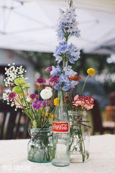 DIY wedding centerpieces // coke bottle   mason jar   flower centerpiece // Tampa, FL Wedding Photographer