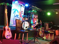 All the props out, even Polly Johnson the blow up parrot - the Brickmakers in Norwich 13.06.2015