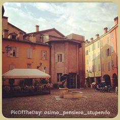 """La #PicOfTheDay #turismoer di oggi arriva da..""""dietro casa""""   Largo San Giacomo, #Modena Complimenti e grazie a @simo_pensiero_stupendo"""