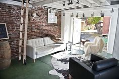 Within the past ten years that unfavorable view of the garage has altered considerably. Climatizing the garage has ended up being much more than an afterthought. Garage Renovation, Garage Interior, Garage Remodel, Garage Furniture, Furniture Ideas, Kitchen Remodel, Halle, Garage To Living Space, Small Garage