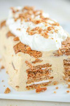Oatmeal Creme Pie Ice Cream Cake: made with cinnamon ice cream!