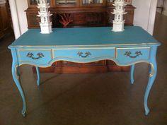 turq vintage desk. amazzzzing