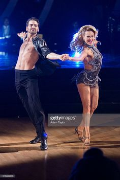 "March 21, 2016: Dancing with the Stars - Nyle DiMarco and Peta Murgatroyd perform the cha cha to ""Cake by the Ocean"" by DNCE."